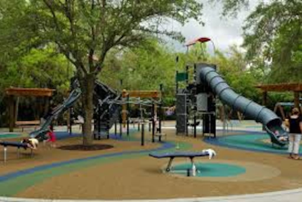 Public Playground 8 minute walk from the cottage with on site restroom.  Great fun!