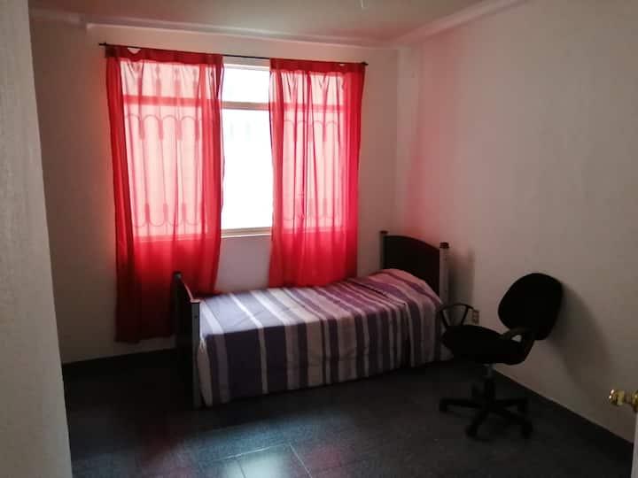 Habitacion Cuarto, descansar , tranquilo y comodo.