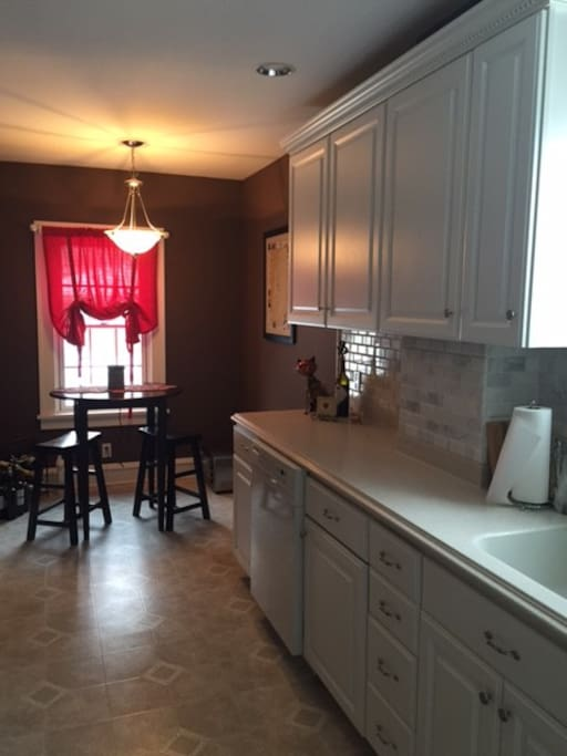 Kitchen seating and counter space