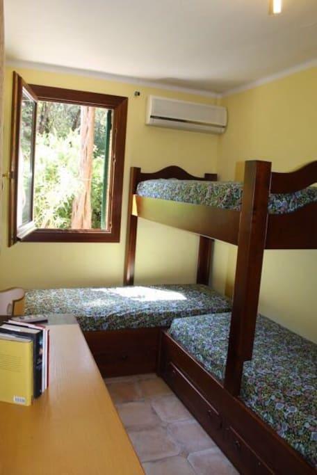 Camera letti singoli/ Single beds room