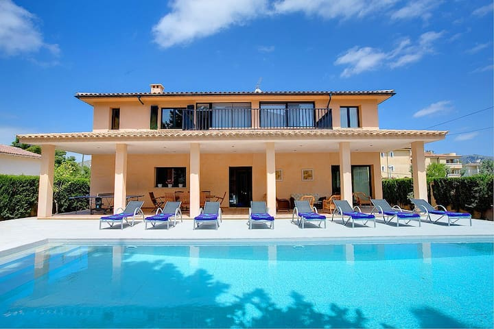 Villa Marquesa with private pool