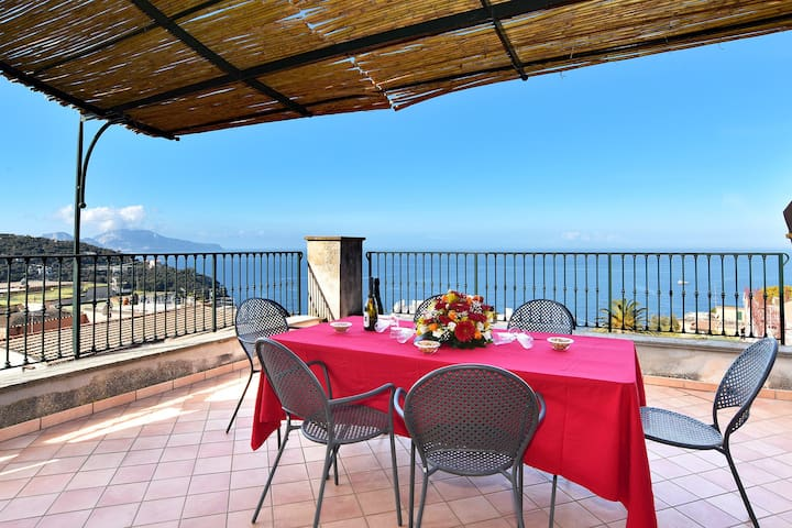 La Ciucciara Capri Apartment with Terrace - Massa Lubrense - Dom wakacyjny