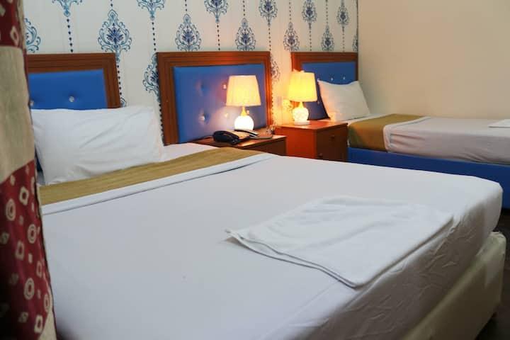 New Avon Hotel | Standard Family Room