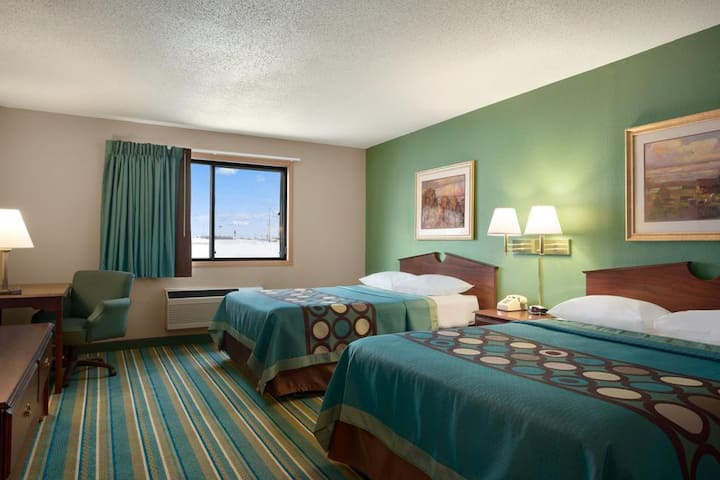 Sky-Palace Inn & Suites New Richmond - Standard 2 Queen Bed Non-Smoking