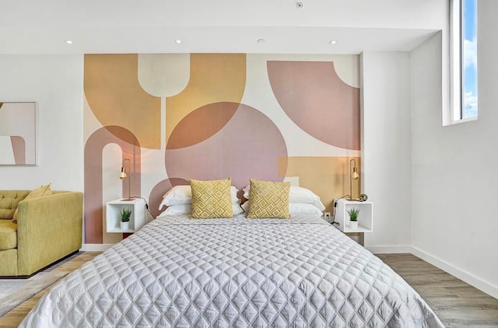 Stunning Design District Apartment 201