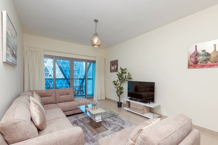 One Bedroom Apartment in Park Towers