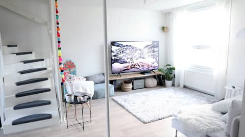 Cozy room in shared apt near metro and beach
