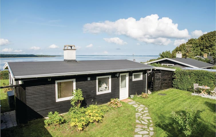 Holiday cottage with 1 bedroom on 85m² in Ølsted