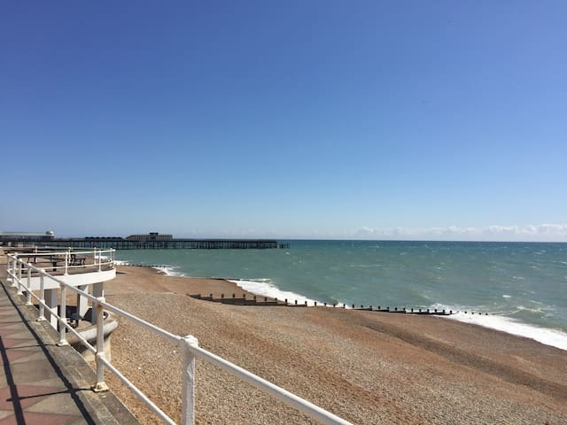 Cosy & Comfortable Seafront One Bedroom Apartment - St Leonards on Sea / Hastings - Apartamento