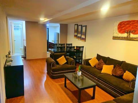 Alojamiento entero: cómodo y acogedor espacio.