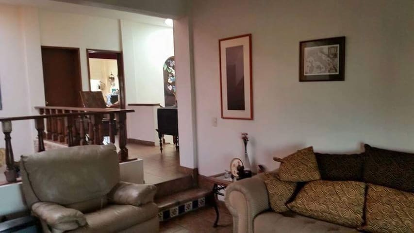 Casa con vista panorámica - San Agustín - House