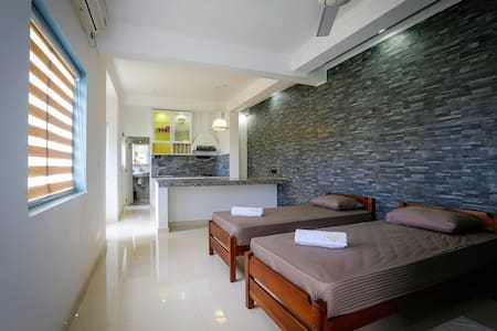 Luxury Homestay at an Affordable Price in Kandy :2 - Hus