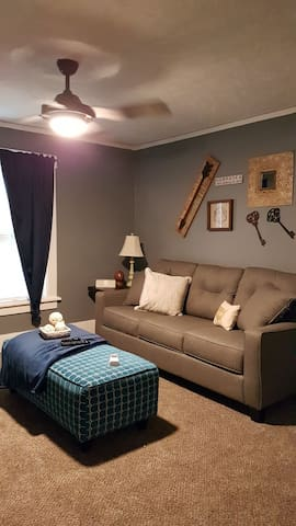 Great UNMC apartment, Long term discounts