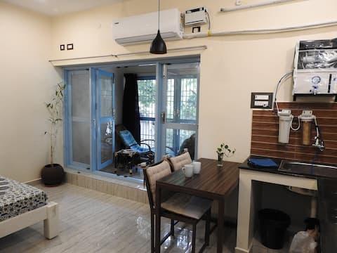 Luxury Studio Near Ramana with WIFI & AC