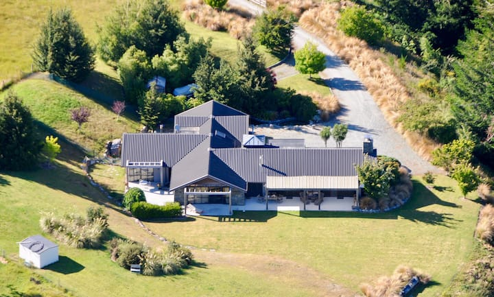 Glenorchy - Luxury Mountain Lodge