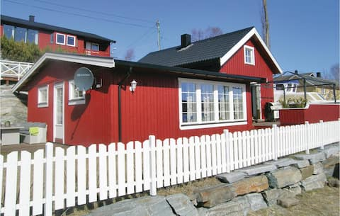 Beautiful home in Lysøysundet with WiFi and 2 Bedrooms