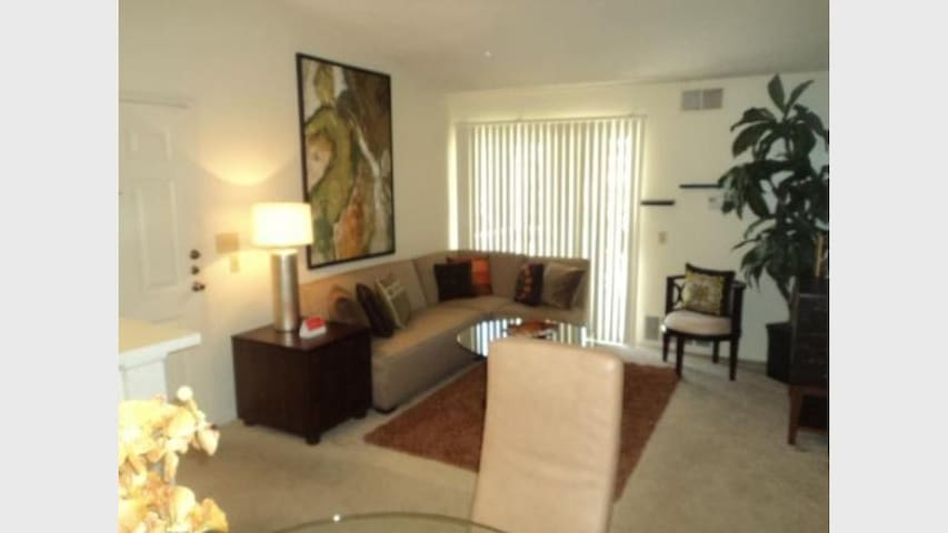 Redlands apartment with many amenities