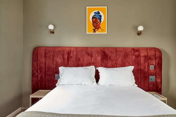 Kenya 'inspired' boutique hotel room