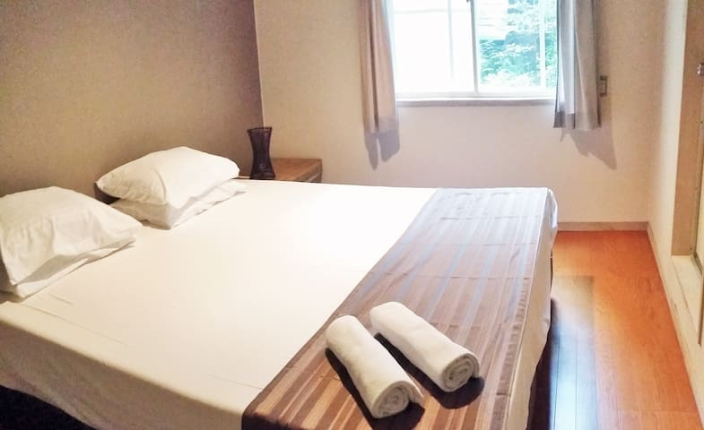 New owner!  SGL Twin/ King bed with en-suite (102) - Hakuba - Bed & Breakfast