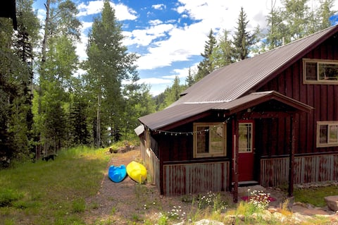Lakeside Mountain Adventurer's Retreat