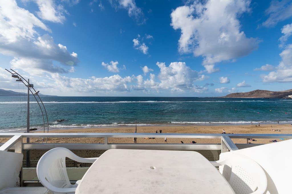 Terraza con vistas directas al mar