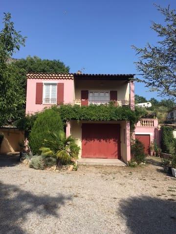 Agréable Villa à proximité des Gorges du Verdon