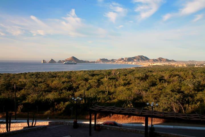 Sunrock Condo, Ocean view. For 5 Pax