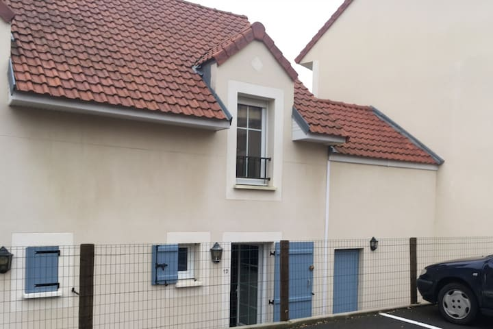 Two Bed House in Sainte Cecile - Camiers - Casa