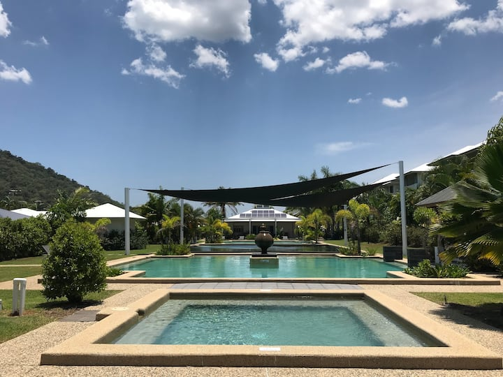 Trinity Cove Apartments - Tropical Garden Resort