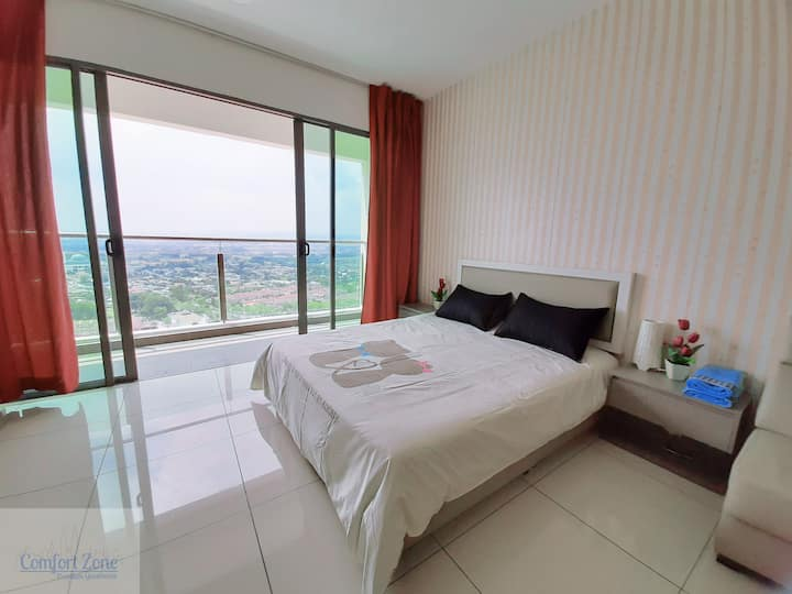EVO 10 Red Velvet Suite | Pool View | Free WIFI