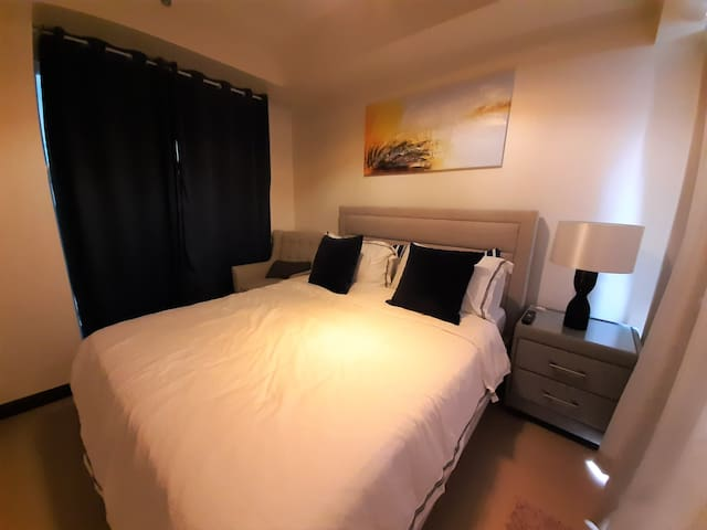 NEW 1BR Condo Unit with WiFi and FREE Netflix