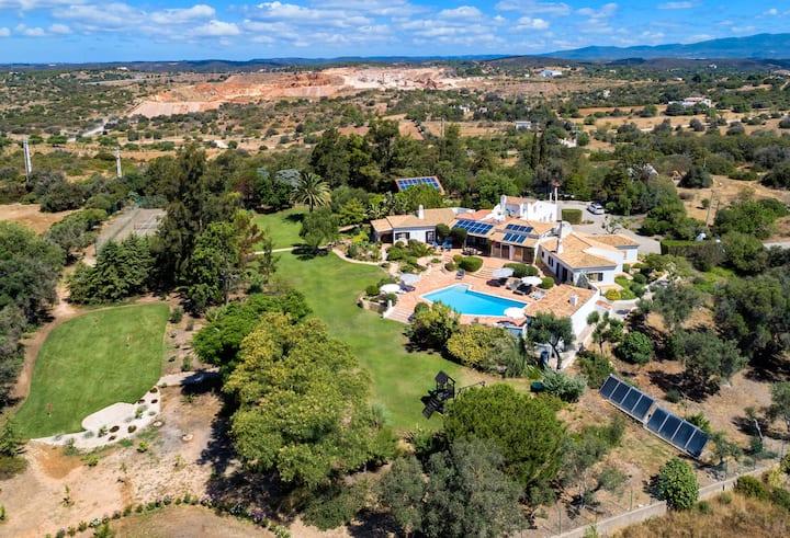 Quinta da Brisa, luxury villa, pool, tennis court