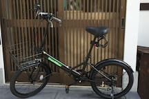 We prepared two bicycles for guests. Guests can use for 1 hour free of charge. Please use it for your shopping nearby. One day rental is 500 yen/ゲスト用自転車2台をご用意しました。 お近くのお買い物などにお使いください。一時間以上ご使用の場合のみ500円いただきます。