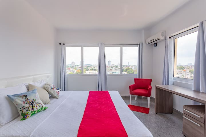 Apartment Cleanlinnes included, change towels and sheets. ( Of cotton and whites ).  King Sizes Beds.   Elegant and functional rooms, the organization of the space contributes to making guests feel comfortable.
