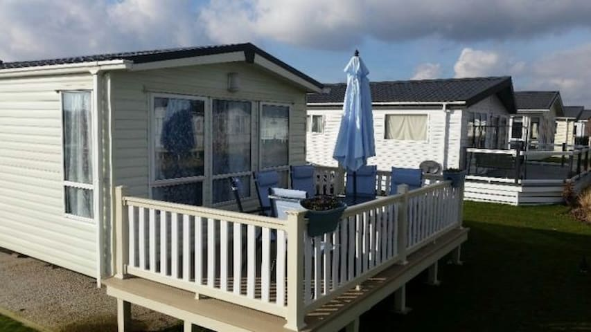 Gold graded caravan hire Skegness - Skegness
