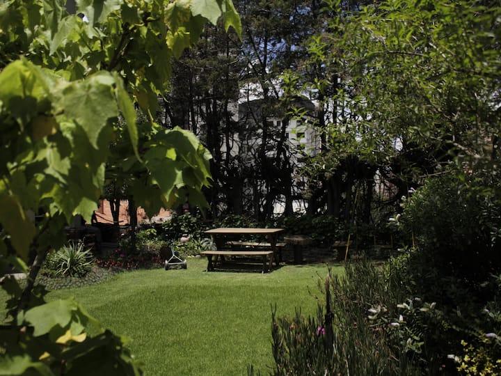 /Dorm +  sala/ Con calefacción, jardín y chimenea