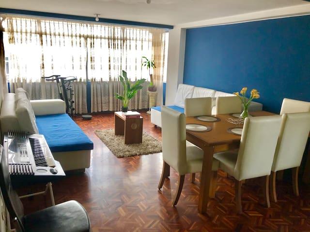 Apartamento 2 Dormit. Amplio - Centro de la ciudad