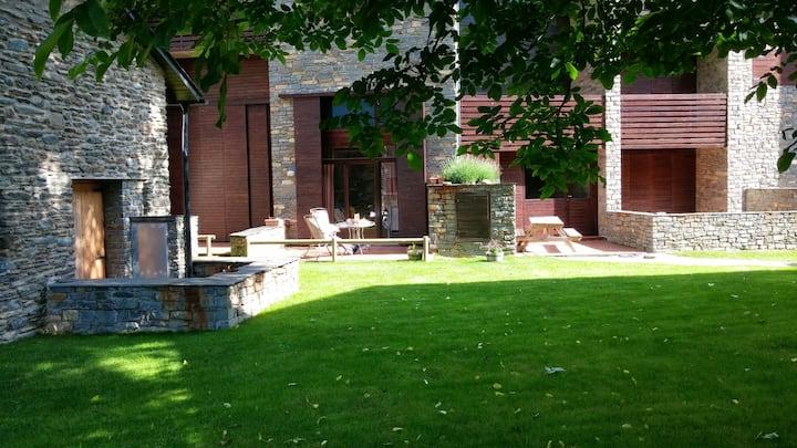 Duplex plta Bja 90m2 con terraza y salida a Jardin