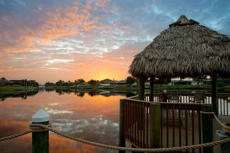 Villa Amazing View - Spectacular Canal Views - Cape Coral