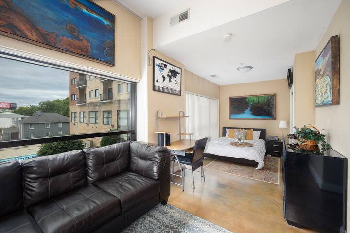 Bright & Cozy | 5★ Location, Rooftop Terrace, Pool