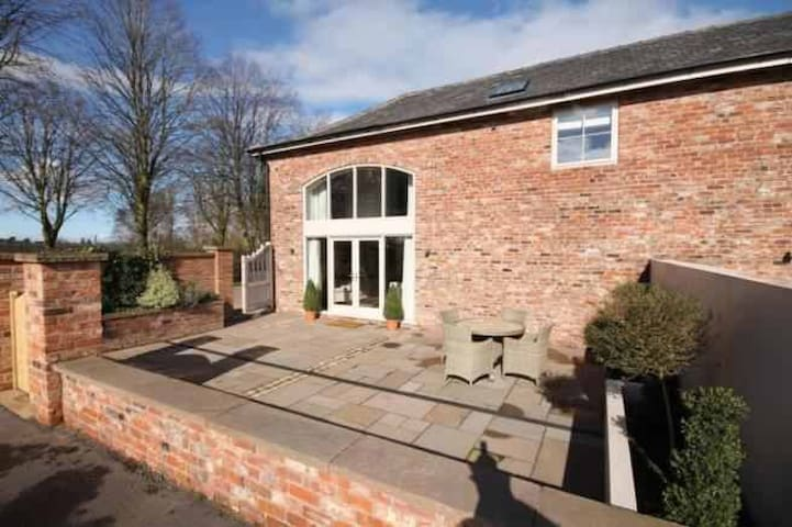 Luxury country coach house - Over Peover - Rumah