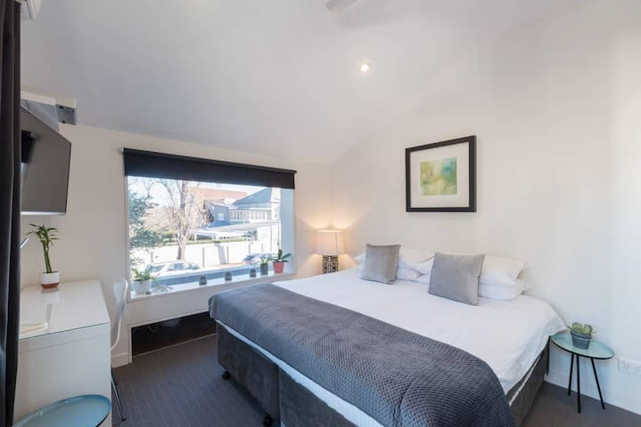 Brand new studio in Bondi Junction