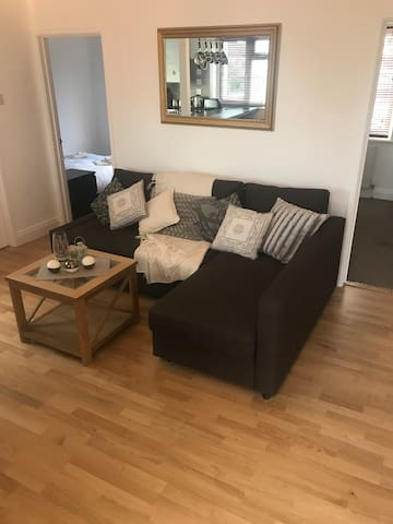 Double Room in modern apartment - Didcot