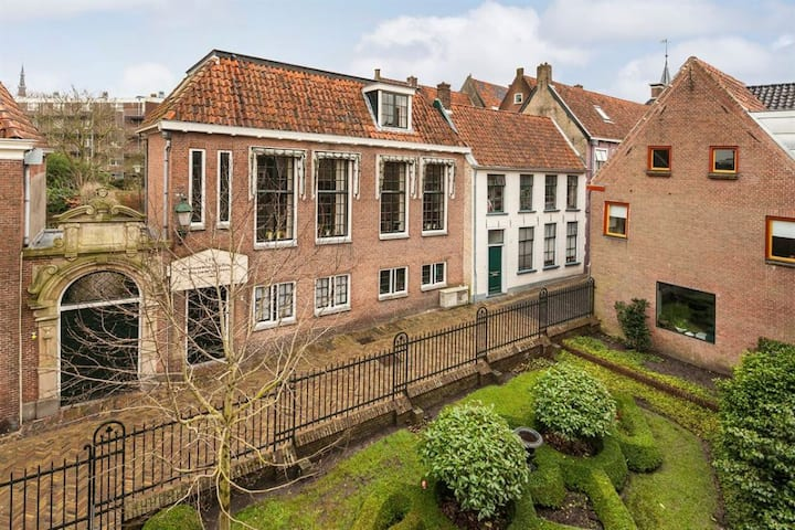 Stylish City Villa - Leeuwarden