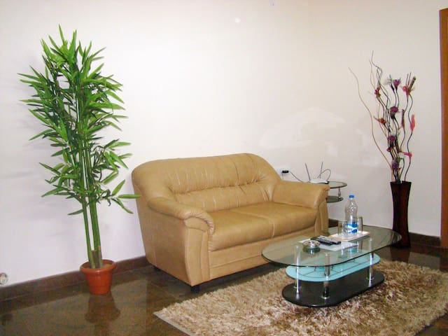 Luxury 1 BR Studio Serviced Apartments on Hebbal - Bangalore - Appartement