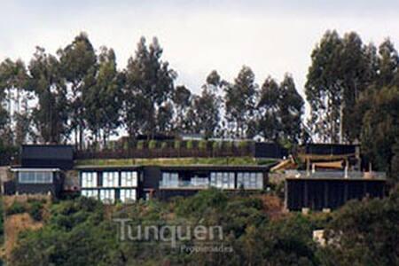 Casa Tunquen con vista al mar