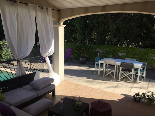 Villa avec piscine au coeur de la garrigue - Saint-Georges-d'Orques