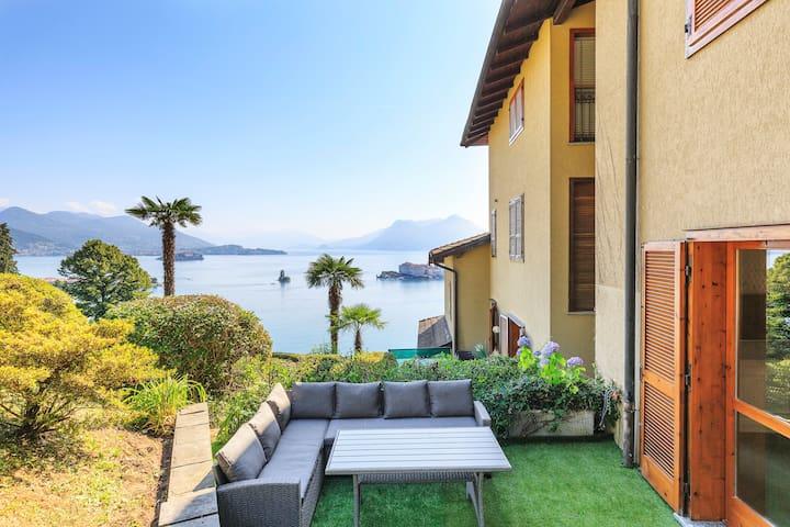 Gregorio Suite con giardino e vista lago.