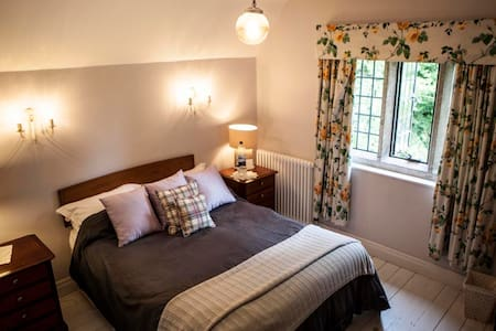 The Gate Room - Gloucestershire