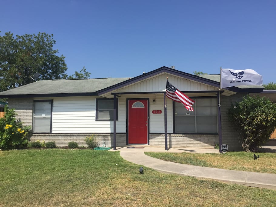 Cute 3 Bedroom Home Great For Air Force Graduation Houses For Rent In San Antonio Texas